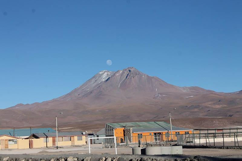Aucanquilcha Volcano (6.176 masl)