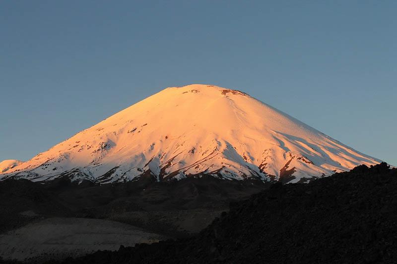 Parinacota Volcano (6.342 masl)