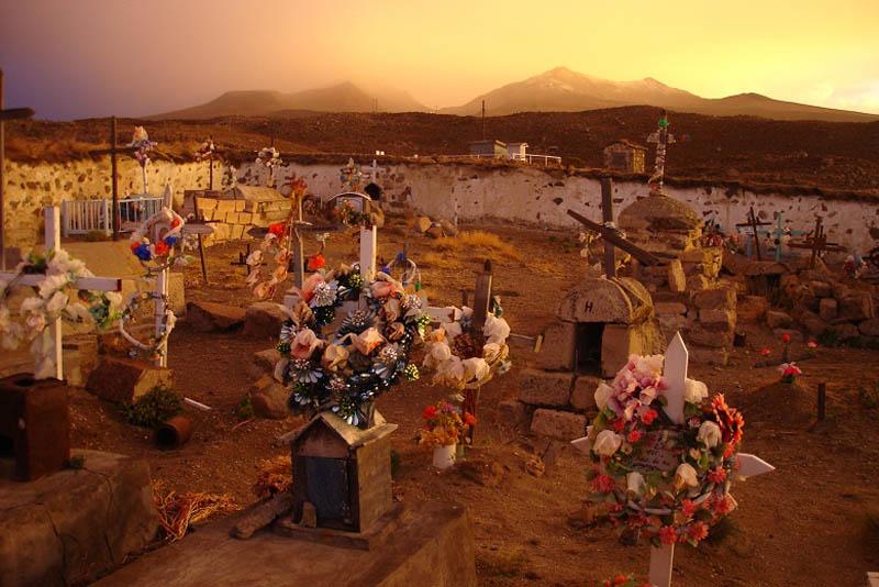 Parinacota cemetery